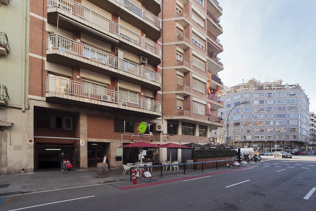 Piso barcelona l 39 eixample rossello metro hospital clinic - Pisos turisticos barcelona ...