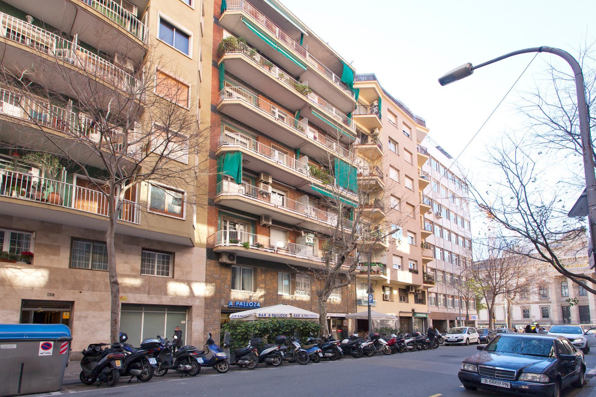 Shbarcelona appartement louer casanova barcelone for Location appartement design barcelone