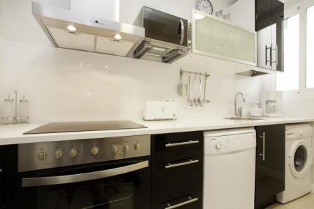 Ampio e luminoso appartamento in affitto in Avenida Paralelo