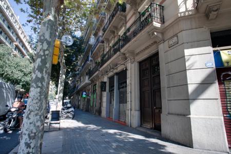 Si affitta appartamento arredato in via Muntaner - Aragó