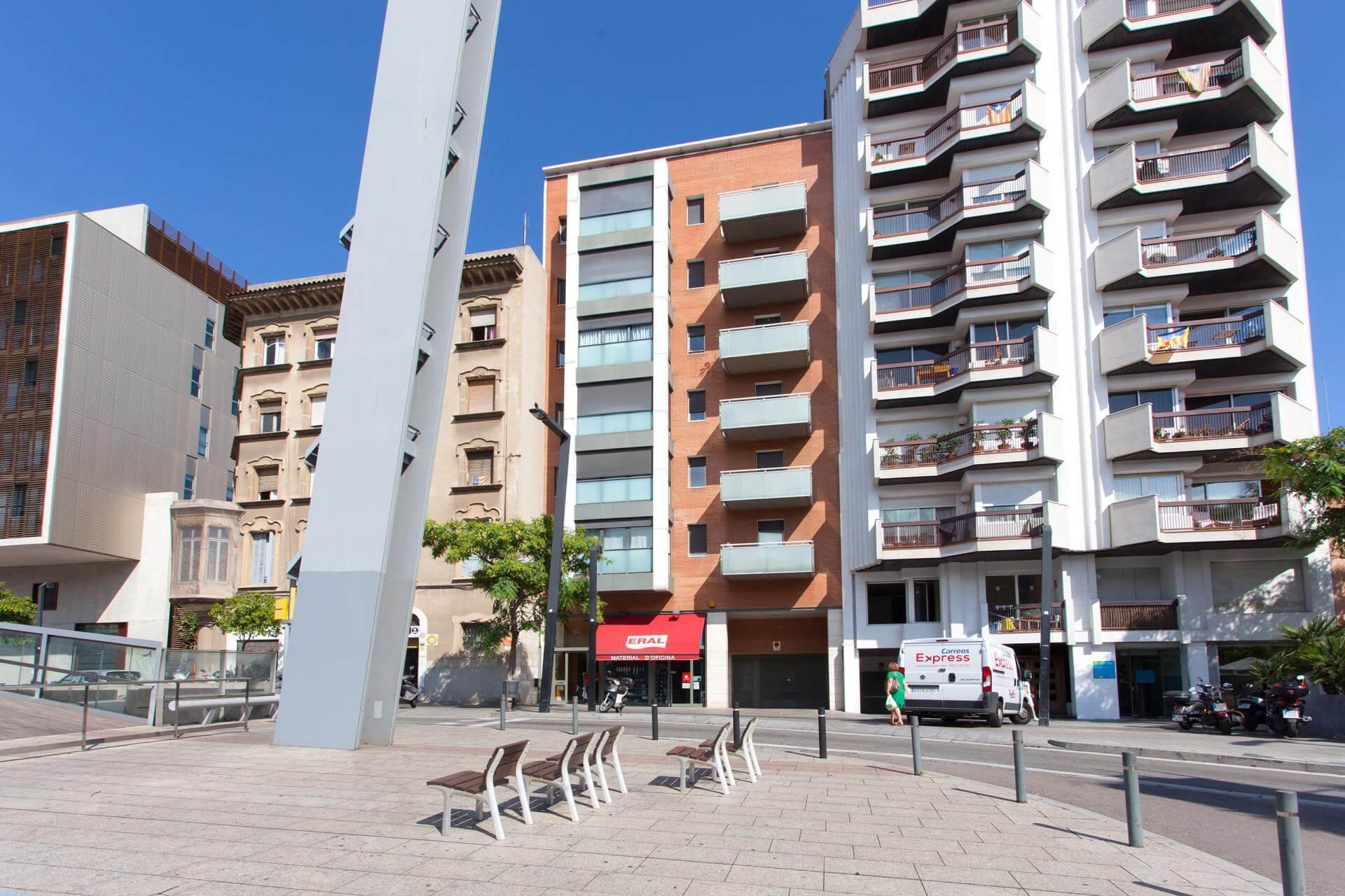Shbarcelona appartement en location gr cia barcelone for Location appartement design barcelone