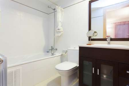 Wohnung zur Miete in Barcelona Sant Gil - Ronda Universitat