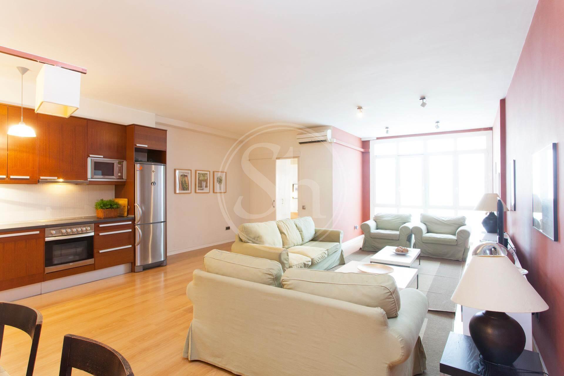 Alquier amplio y luminoso piso reformado en Barcelona