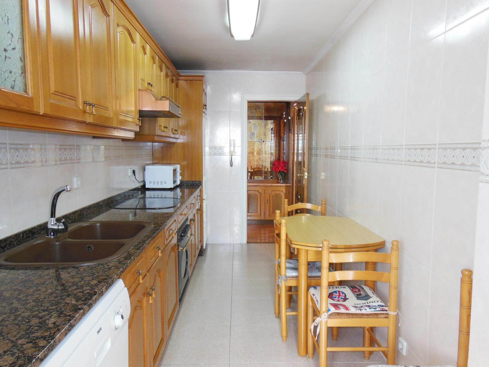 Piso en alquiler barcelona les corts cardenal reig for Piso alquiler les corts