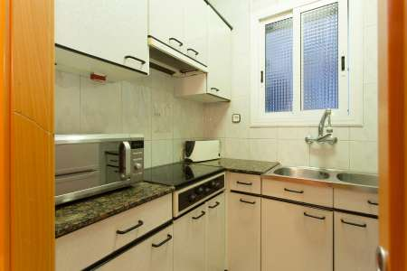 Flat for rent in Poblenou with spacious living room