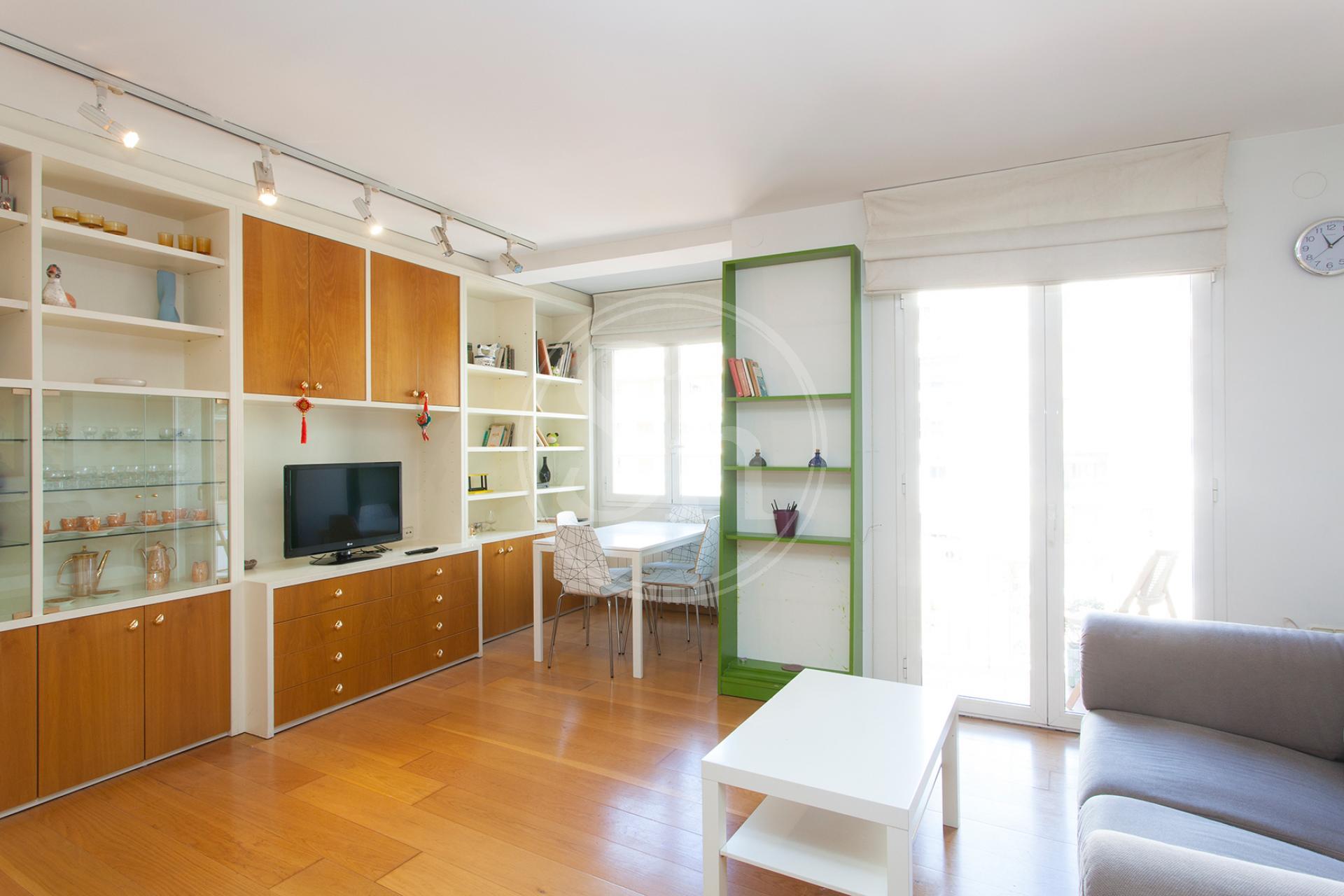 shbarcelona alquiler piso familiar en sagrada familia. Black Bedroom Furniture Sets. Home Design Ideas