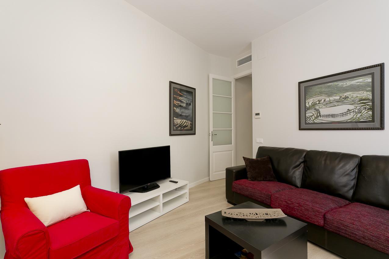 Alquiler amplio apartamento  Avenida Gaudí - Còrsega