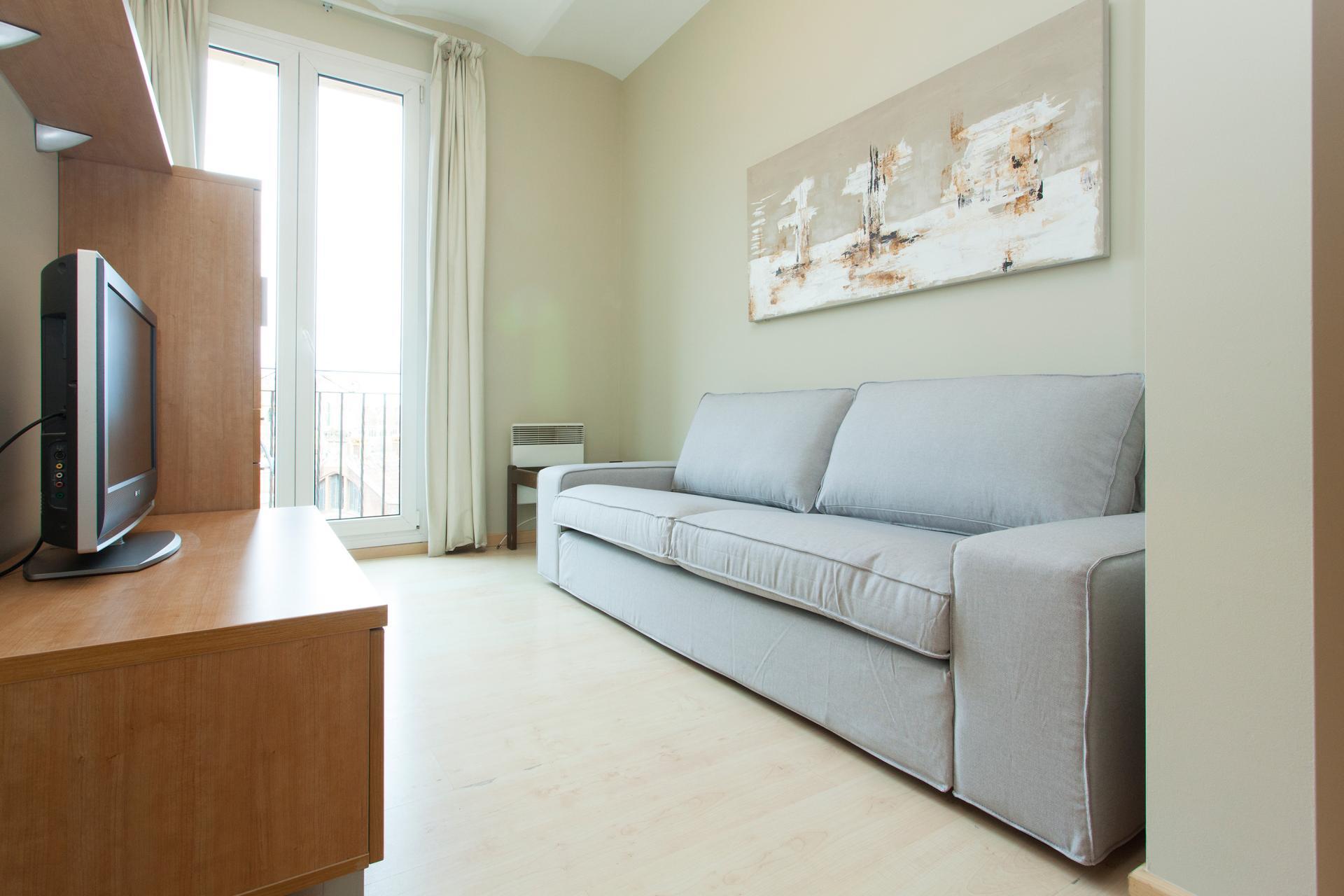 Appartamento con balcone in affitto in via Cartagena