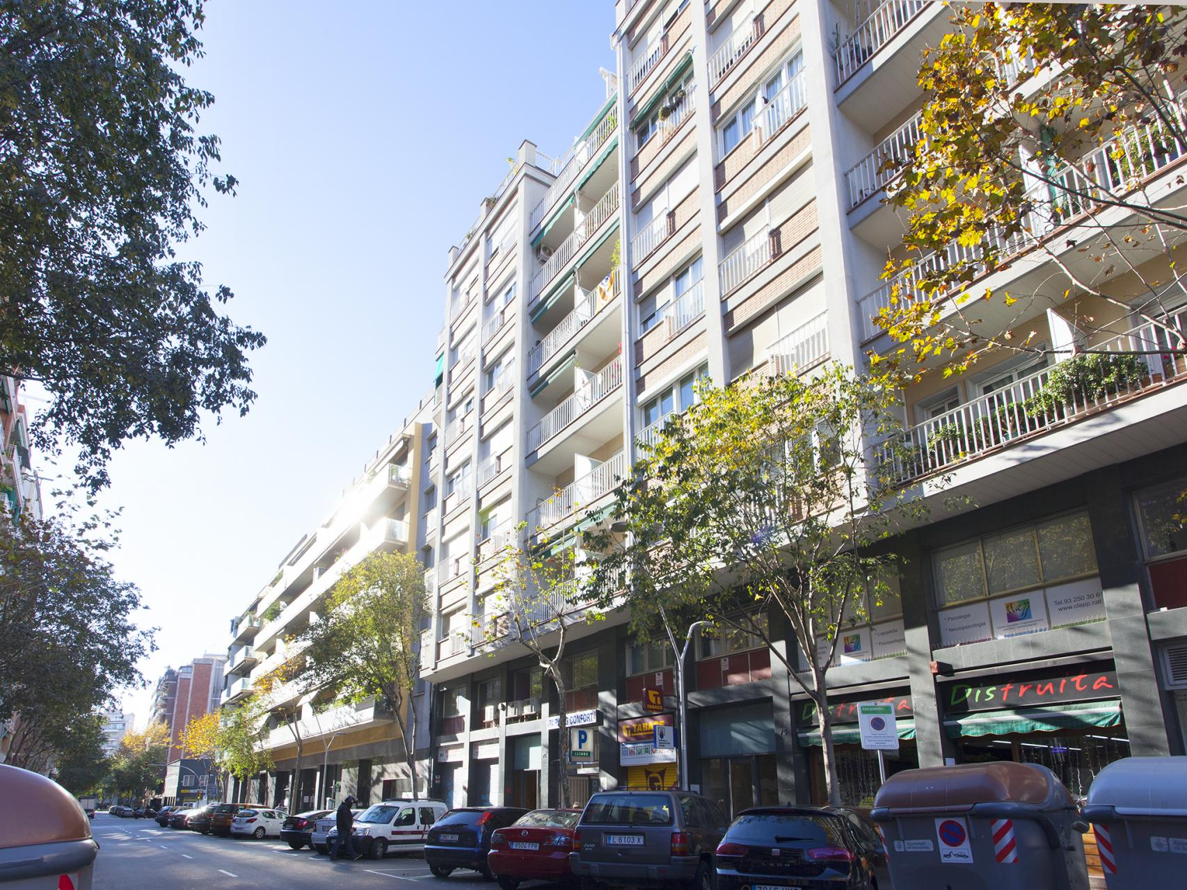 Shbarcelona apartamento vacaciones corsega rocafort - Apartamentos vacaciones barcelona ...