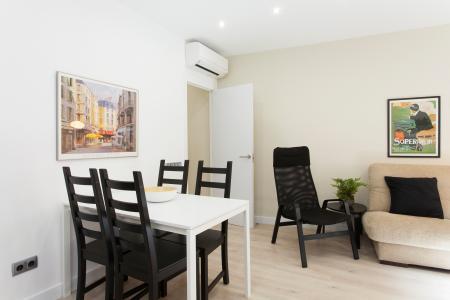 Elegante appartamento arredato in Sant Marius
