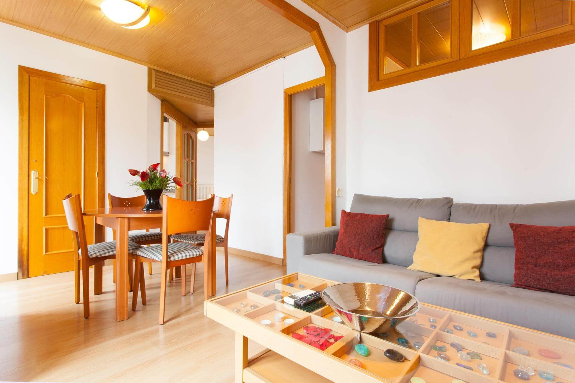 ShBarcelona - Monthly rental two bedroom flat Sants Montjuïc