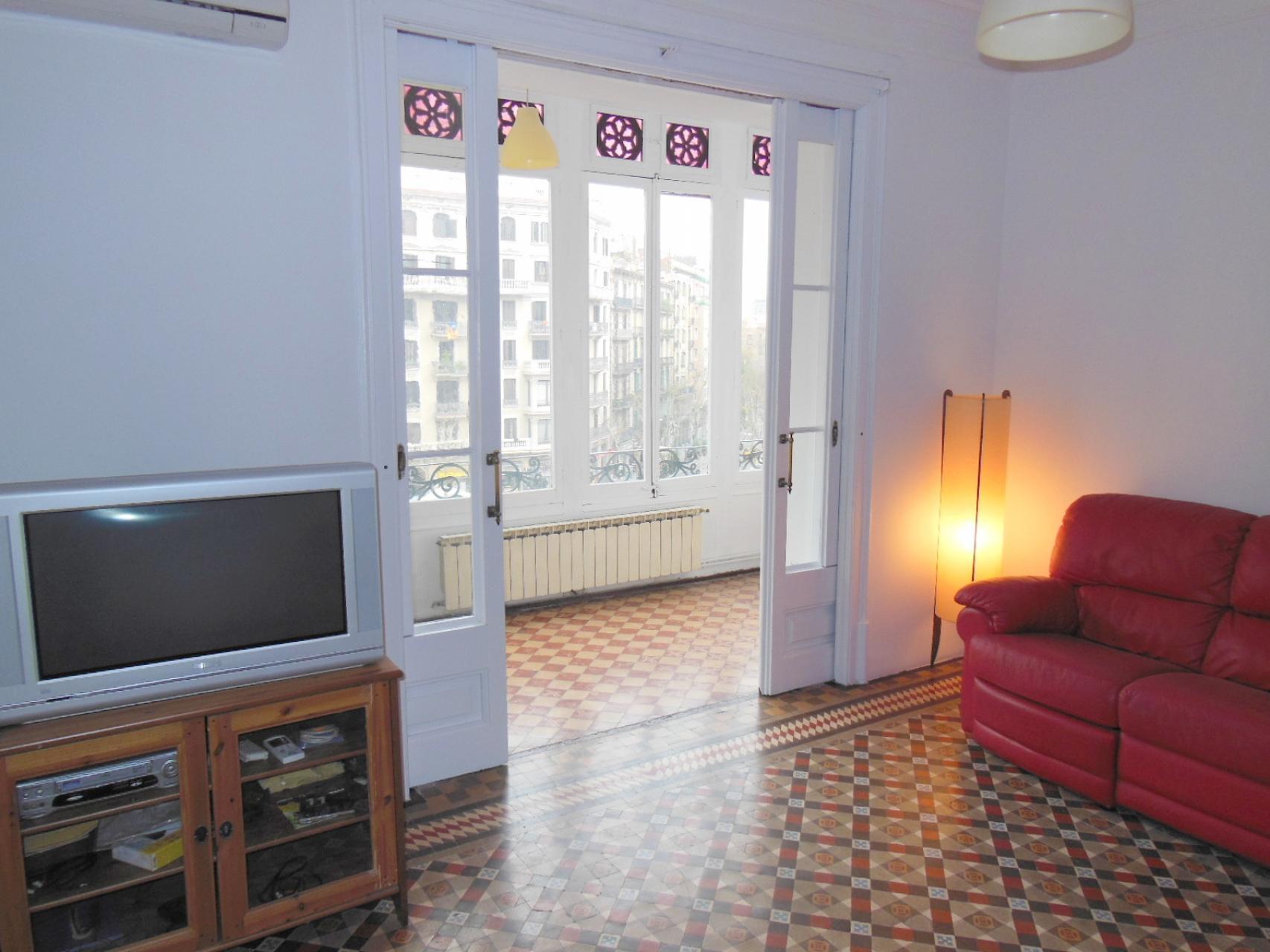 Piso en alquiler barcelona l 39 eixample gran via muntaner - Amueblar piso completo barcelona ...