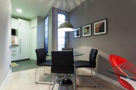 Alquiler por temporadas estiloso piso en Avenida Gaudi - Sagrada Familia