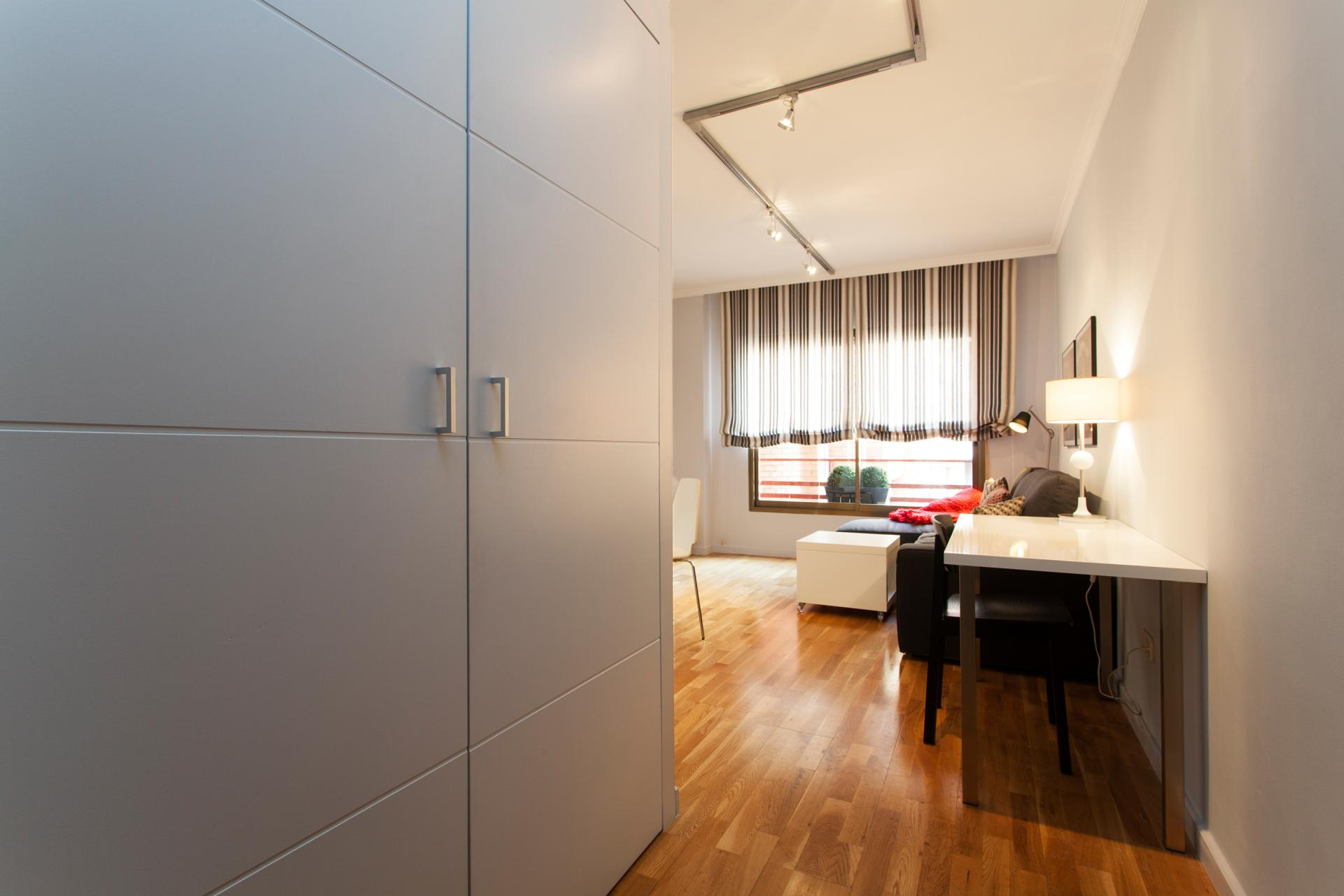 Shbarcelona beautiful flat for rent in les corts barcelona for Kitchen gadgets barcelona