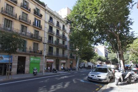 Attico in affitto in carrer Sepulveda con Casanova