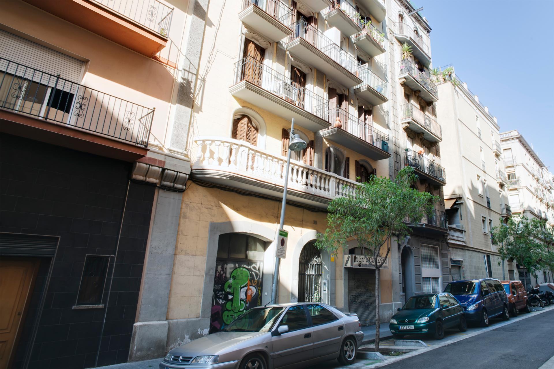 Shbarcelona appartement louer poble sec barcelone for Location appartement design barcelone