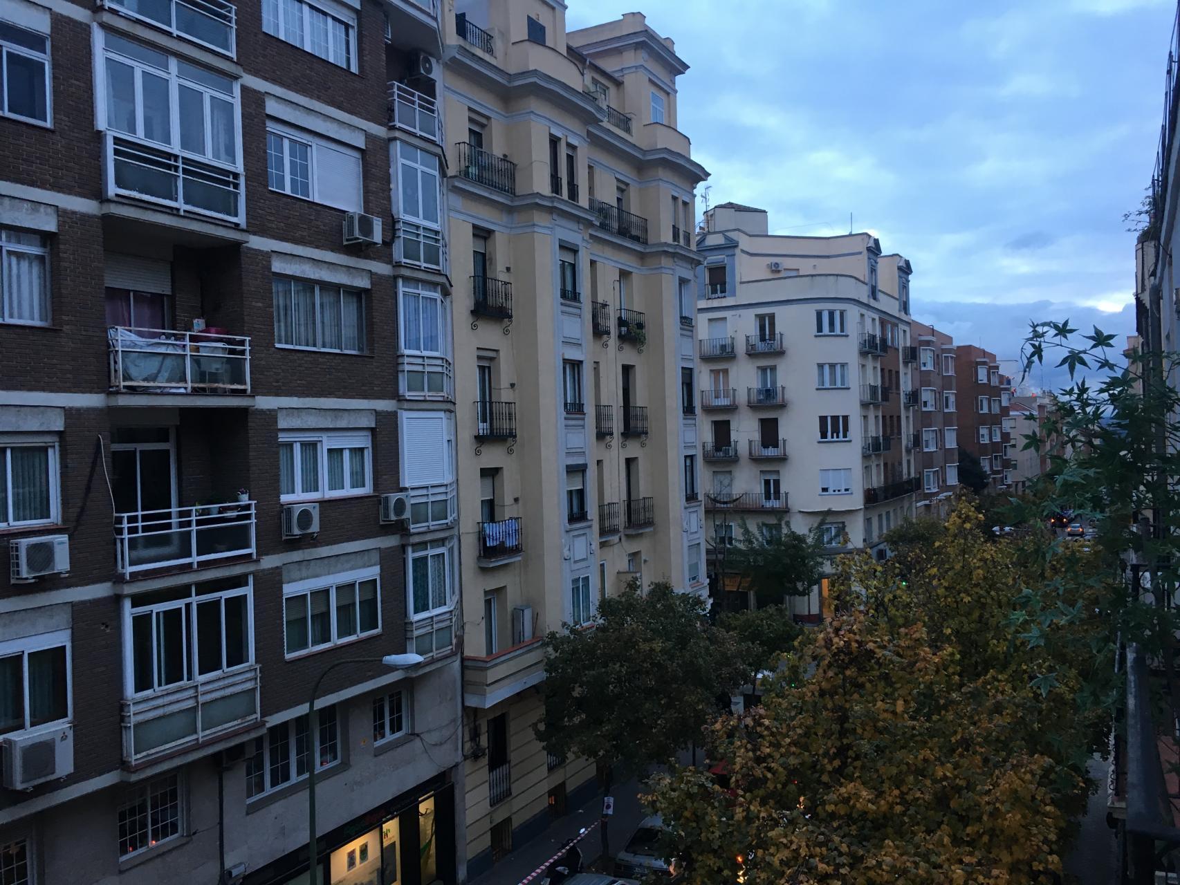 Apartment for Rent in Madrid Donoso Cortes - Guzmán El Bueno
