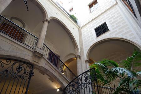 Si affitta completamente arredato in via Portaferrissa - Rambla
