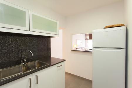 Flat for rent with balcony in the Eixample District