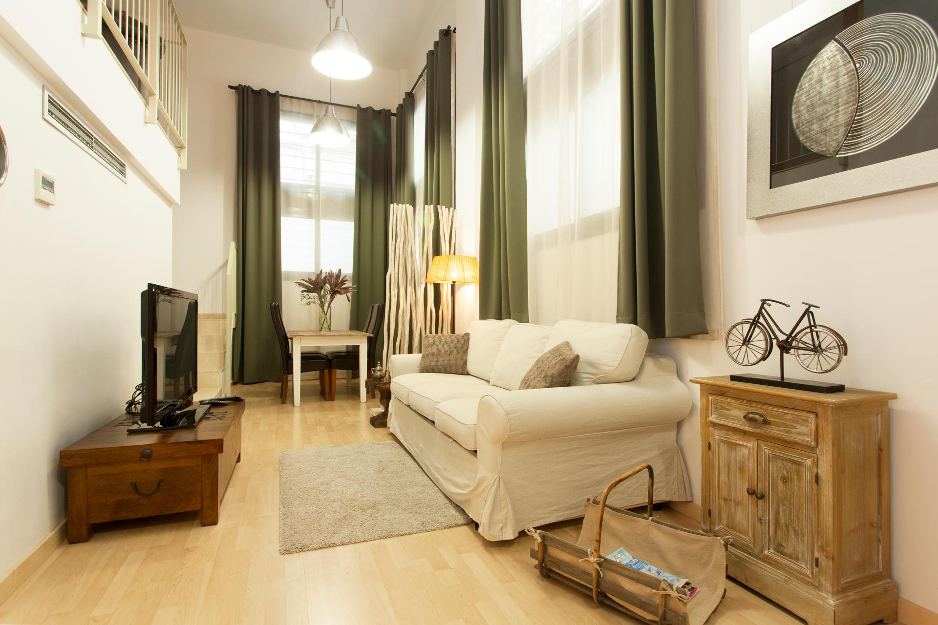 Fantastic two bedrooms duplex for rent located in Barcelona
