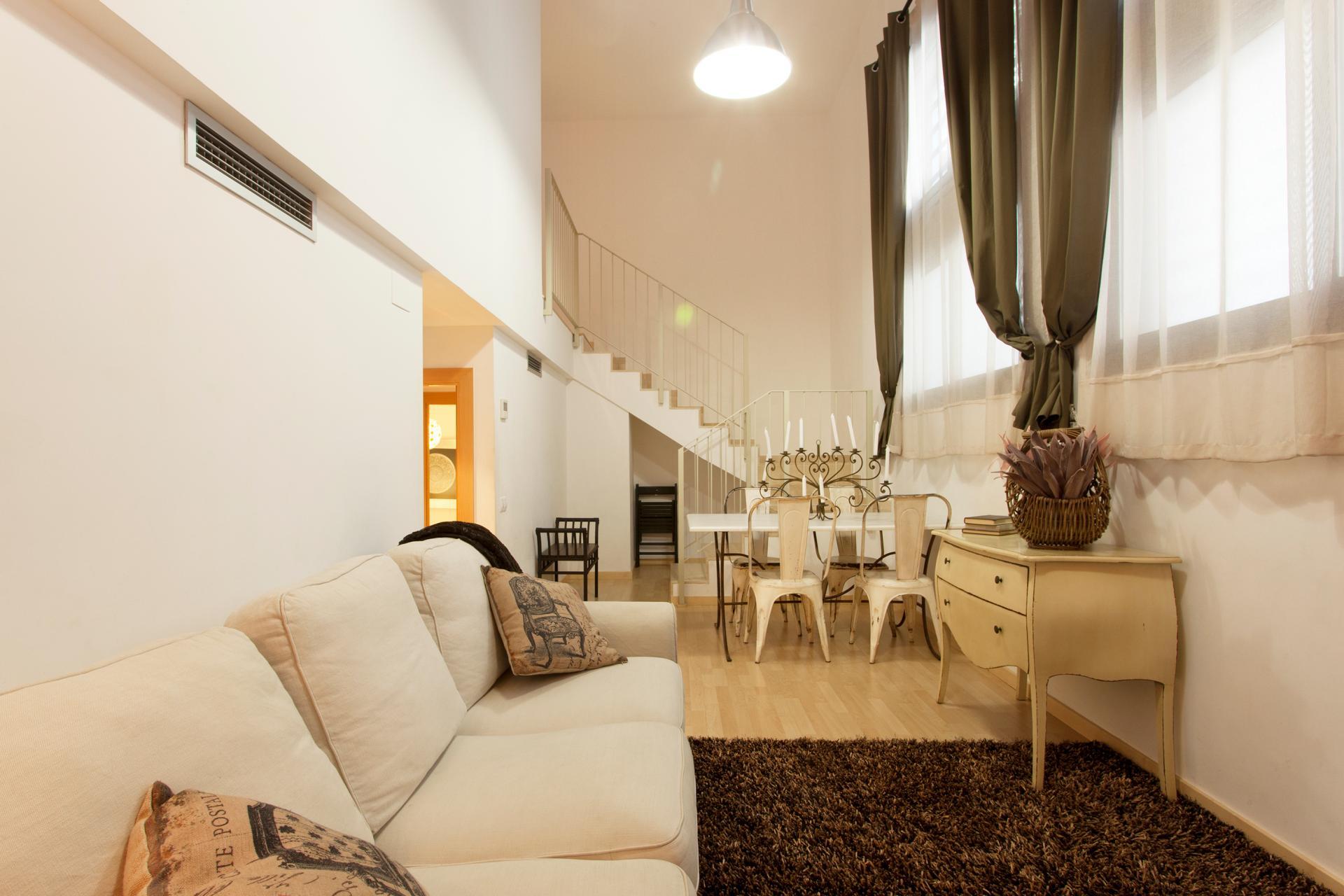 Appartamento arredato in affitto in via Sant Joaquim a Barcellona.