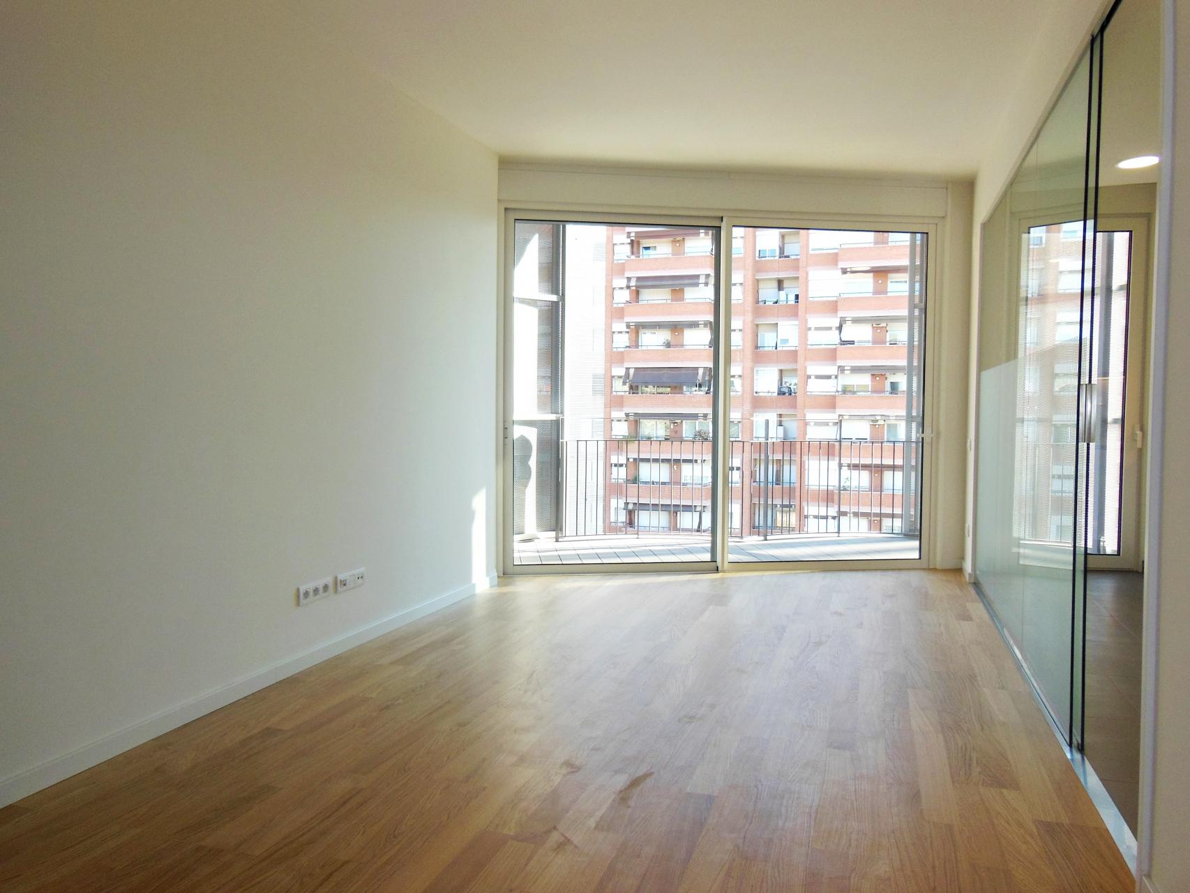 Piso en alquiler barcelona les corts cam torre melina c for Piso alquiler les corts
