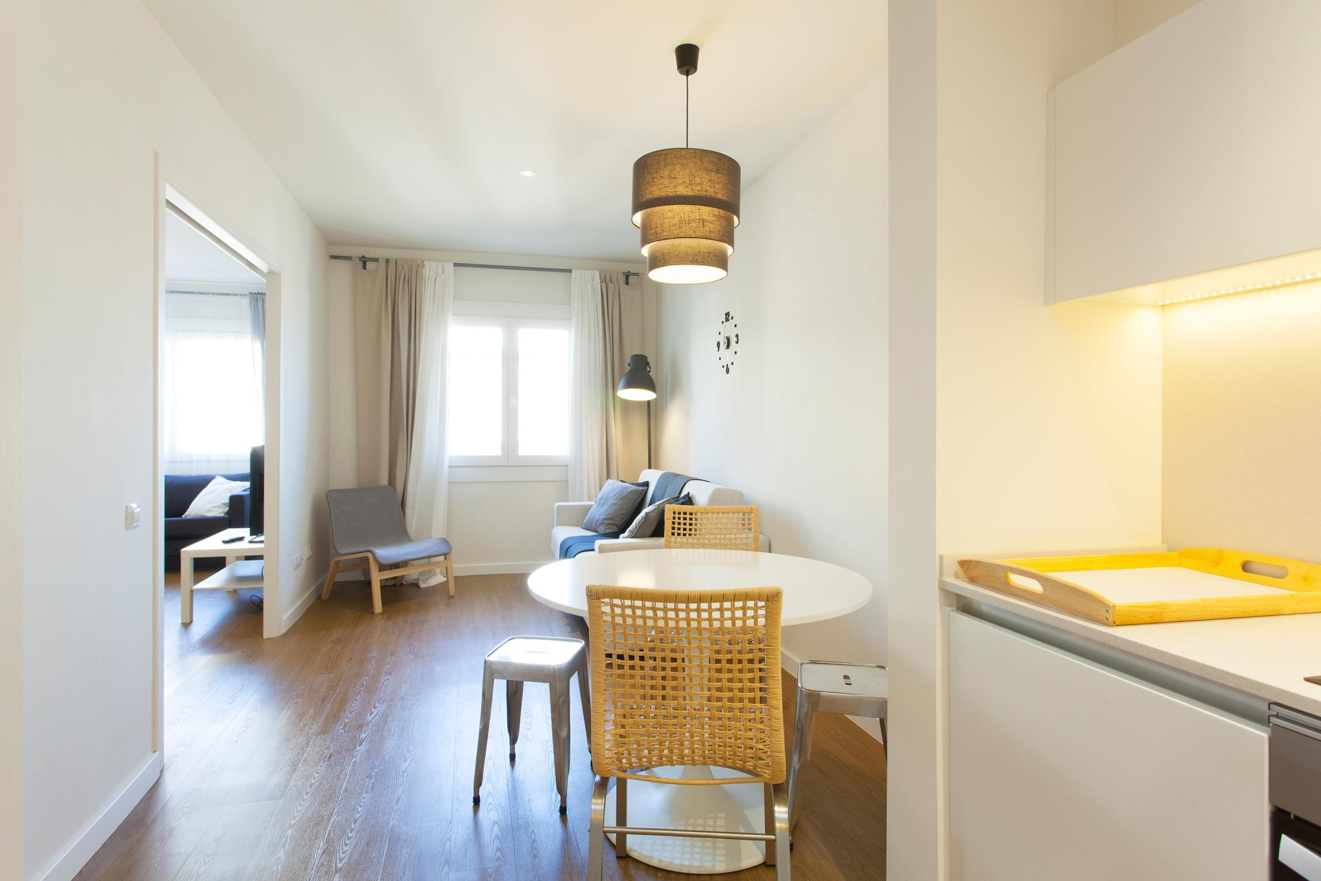 Alquiler piso en calle Villarroel cerca del centro