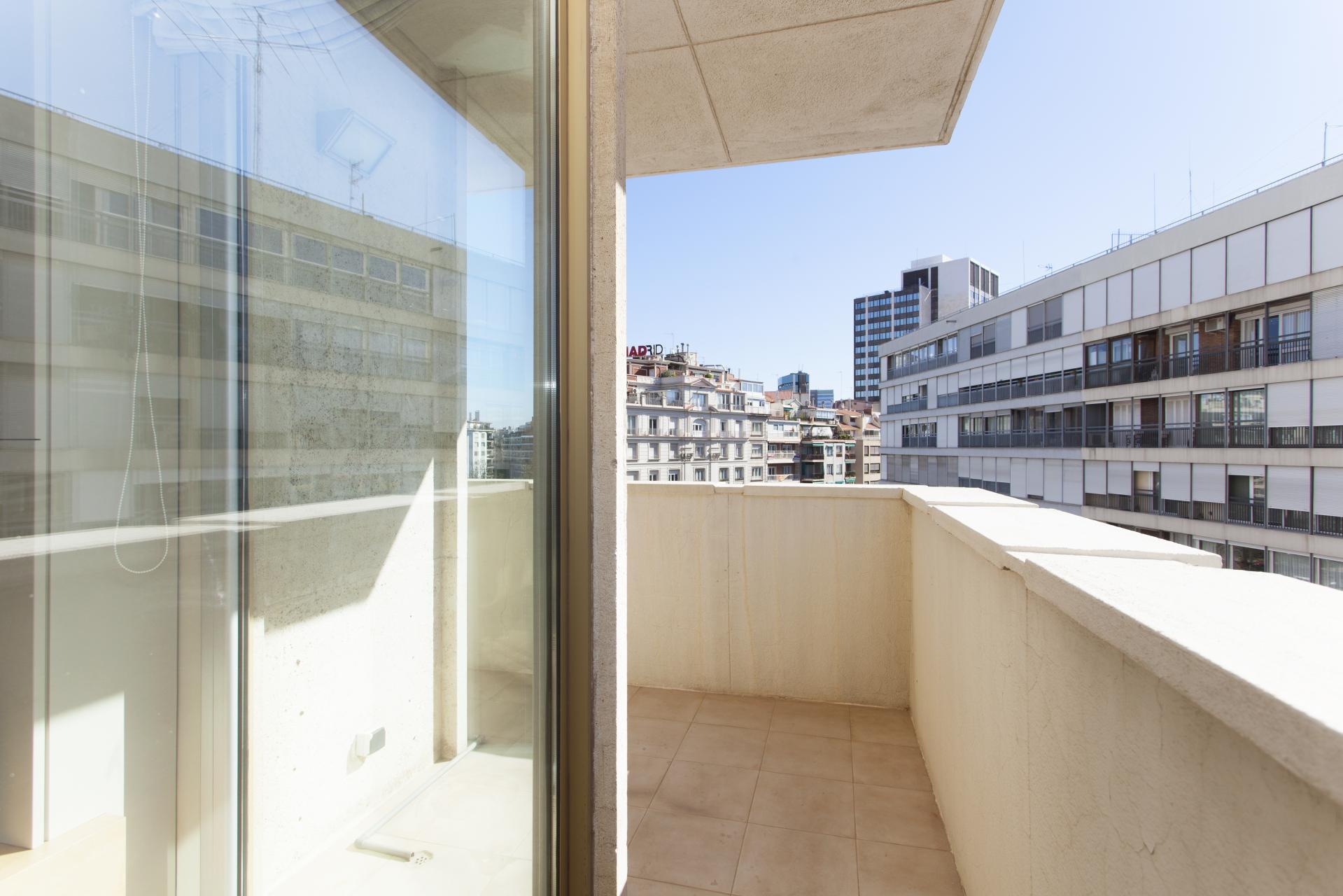 Shbarcelona piso alquiler s rria sant gervasi barcelona for Alquiler piso sarria barcelona