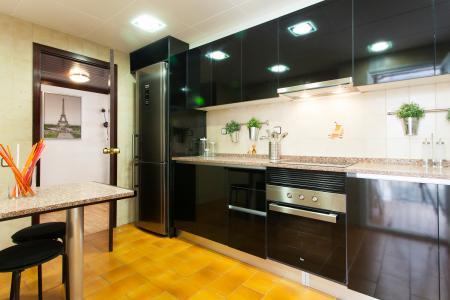 Grandioso piso de 4 habitaciones en calle Diputació - Sardenya