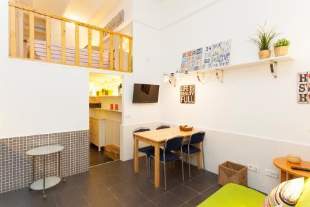 Appartamento con terrazza in affitto a Sants