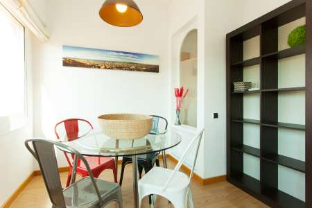 Renovated flat for rent in the poble sec district
