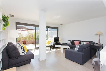 Spectacular 2-bedroom flat with extensive terrace