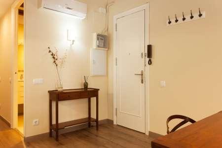 Appartamento con due stanze da letto in affitto via Girona