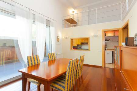 Magnifico appartamento su due piani in via Pinzon