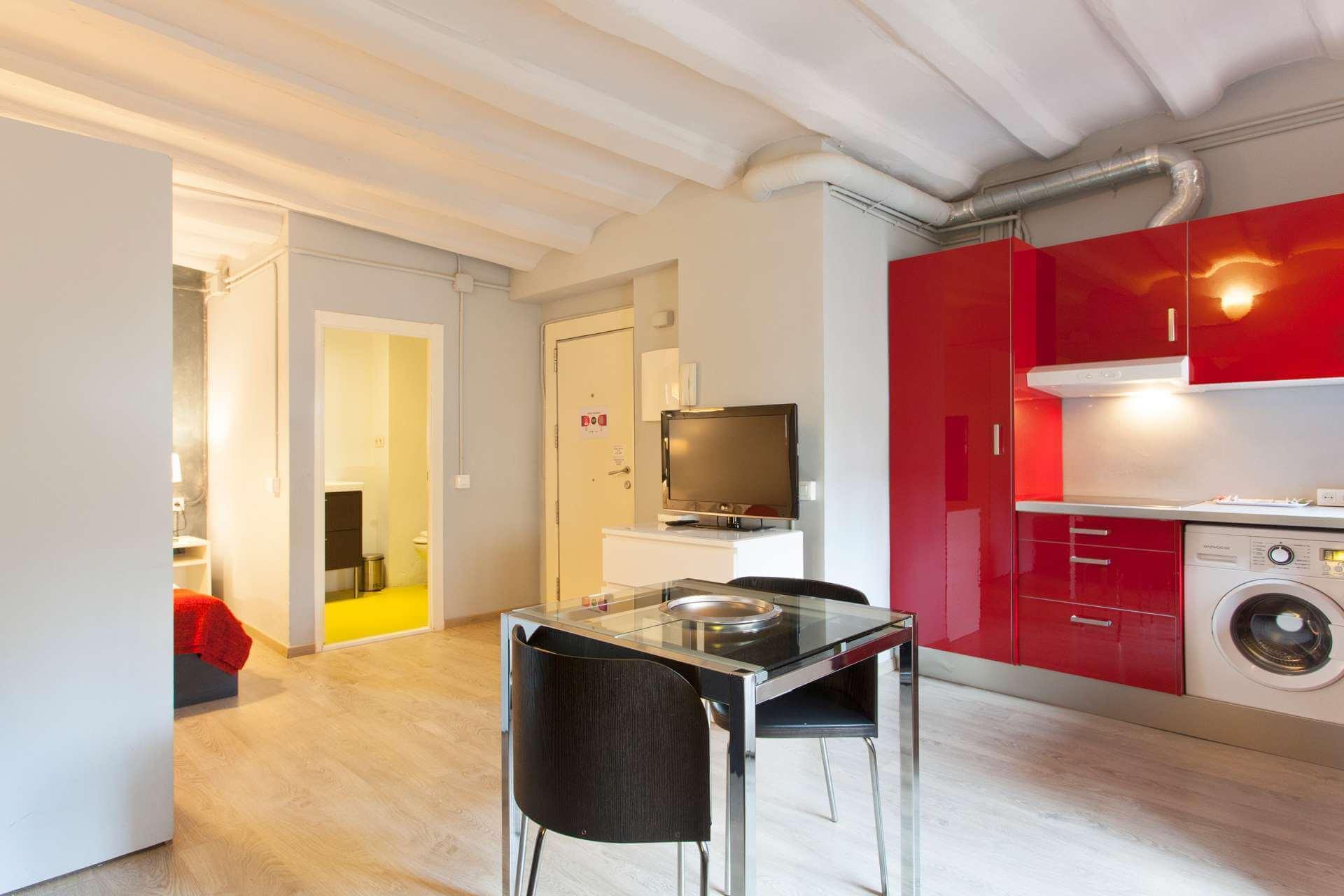 Shbarcelona appartement louer ciutat vella barcelone for Location appartement design barcelone