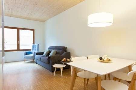 Affitto appartamento grande con una stanza da letto in Poble Sec