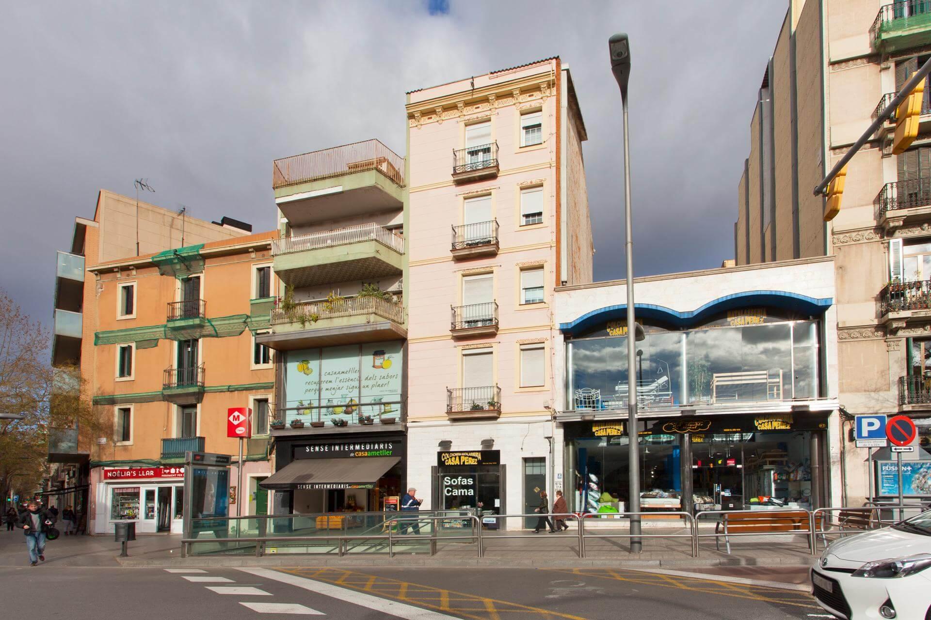 Shbarcelona appartement louer sants montjuic barcelone for Location appartement design barcelone