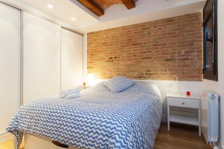 Appartamento con gran balcone in affitto in via Comte Urgell