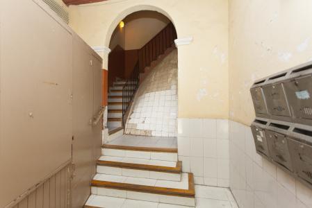 Affitto appartamento in via Carretes con l'Aurora