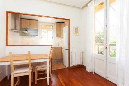 Si affitta appartamento in via Corsega - Balmes