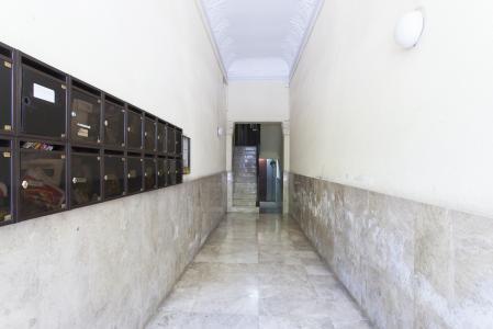 Apartamento mobiliado para aluguel temporário no L'Eixample