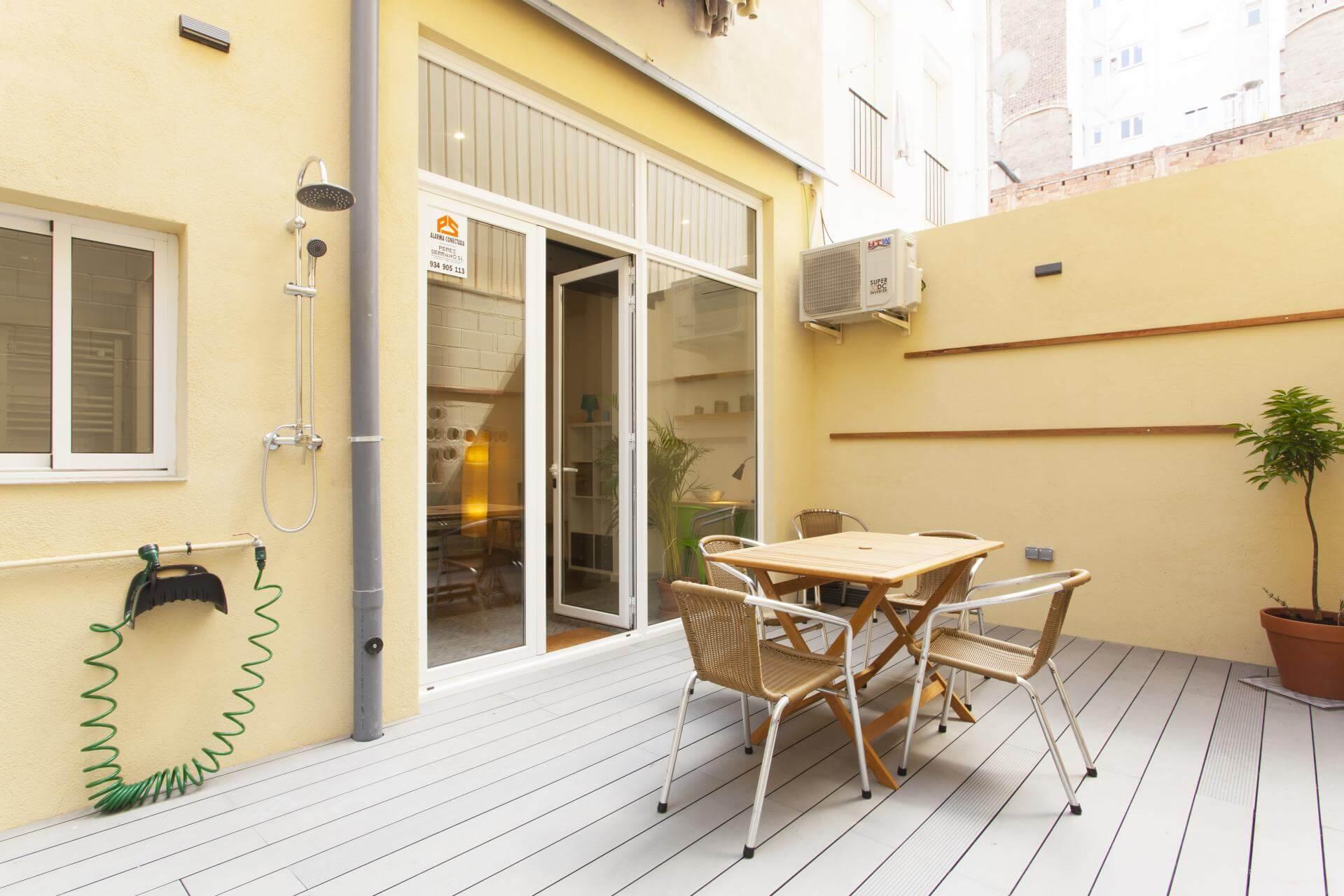 Shbarcelona appartement louer barcelone quartier sants for Location appartement design barcelone