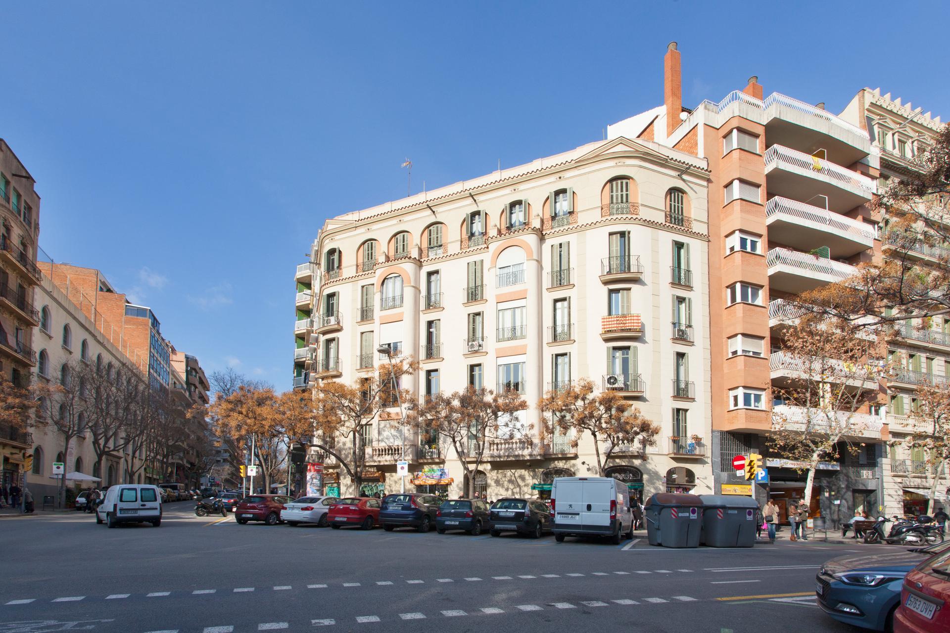Pis en lloguer barcelona l 39 eixample plaza sagrada familia metro proven a - Lloguer pis barcelona particular ...