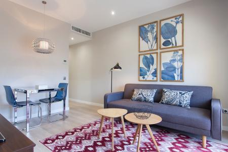 Eccellente appartamento in affitto in via Napols - Ausias Marc