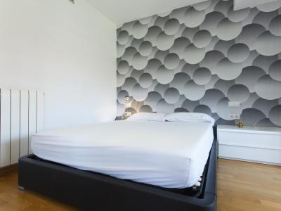 Квартира в Кратковременная аренда в Barcelona Ciutadella Pool Apartment