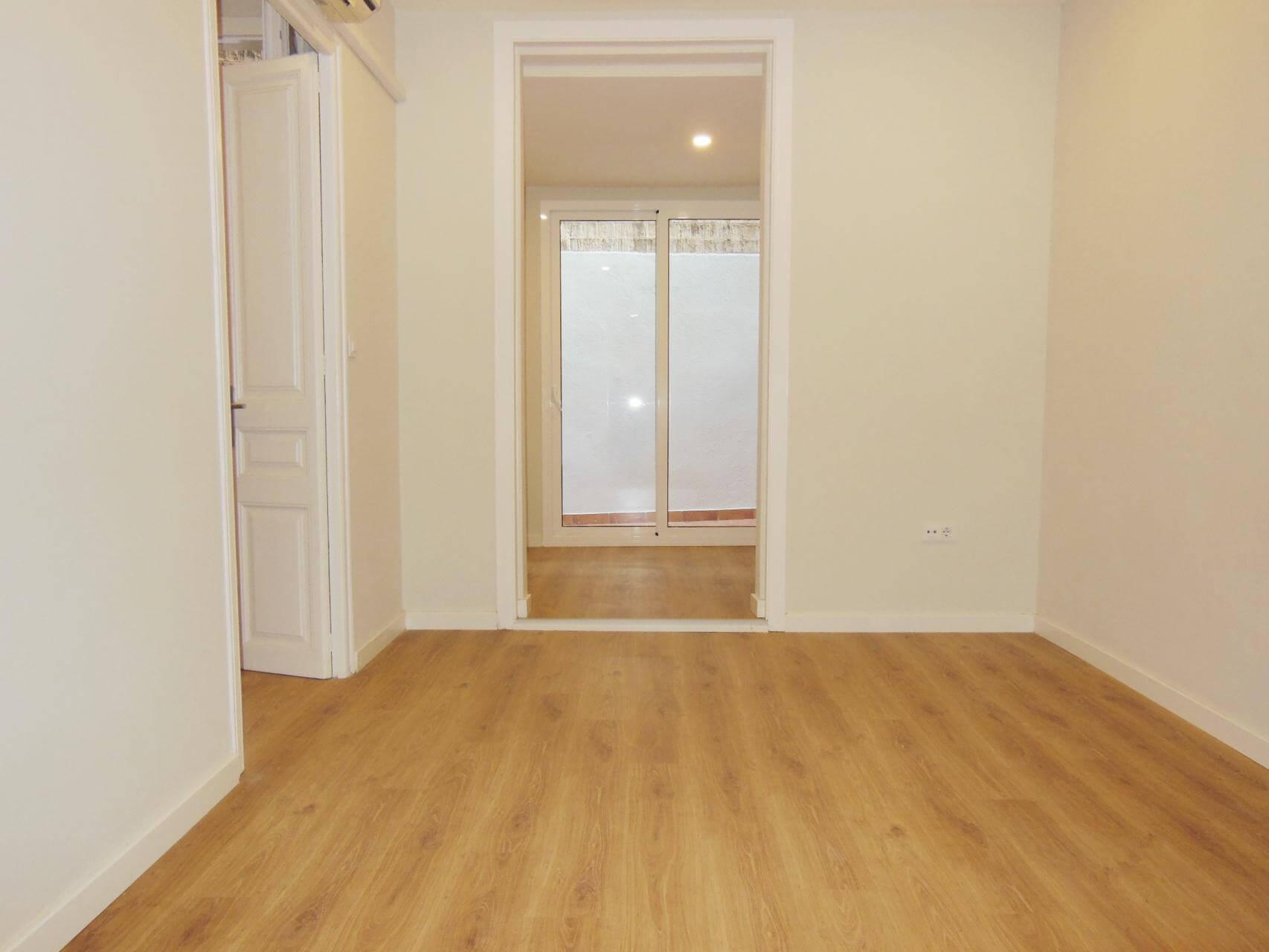 Shbarcelona piso con patio en alquiler en barcelona for Piso barcelona alquiler
