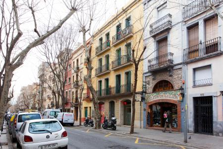 Alquiler temporal piso en calle Vallespir con Avenida Madrid
