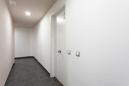 Amplio y reformado piso de alquiler con balcón en Eixample izquierdo