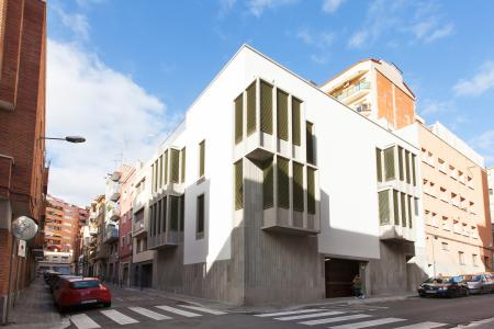 Grand loft récemment rénové à louer dans le quartier de Gràcia