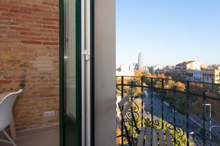Ubicato tra Avenida Diagonal e via Aragon